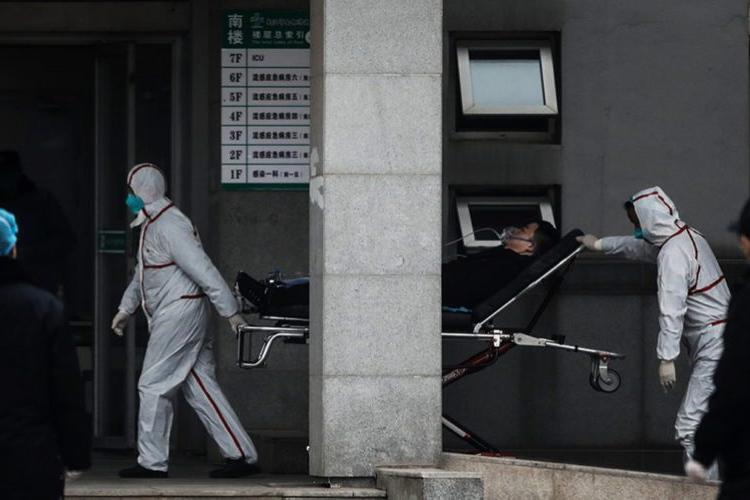 Bilanțul coronavirusului e în creștere: 56 de morți și 2.000 de persoane infectate. A ajuns și în Europa