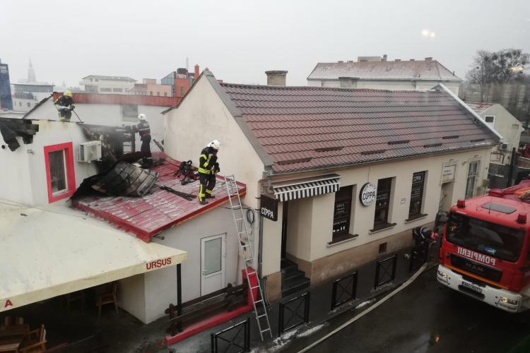 Incendiu la un restaurant din Hașdeu. Pompierii intervin la fața locului FOTO/VIDEO