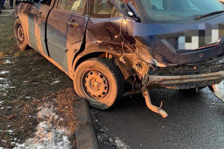 Accident pe strada Frunzișului! A intrat pe contrasens - FOTO