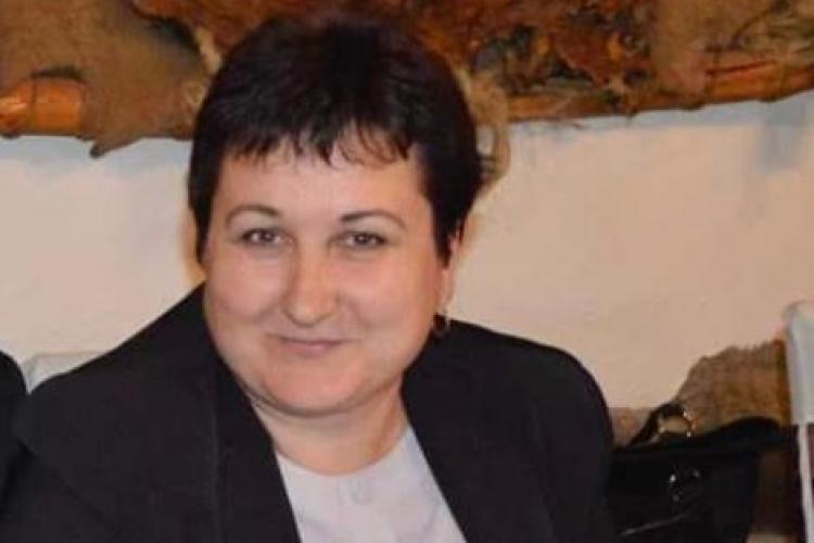 Angajata Primăriei Luna, decedată la microrevelionul primăriilor, condusă pe ultimul drum - VIDEO