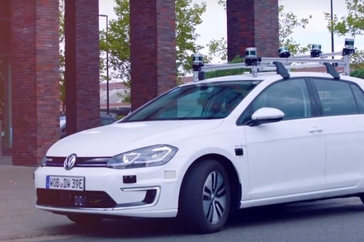Volkswagen și IMB au construit la Cluj softul care să conducă singur mașina
