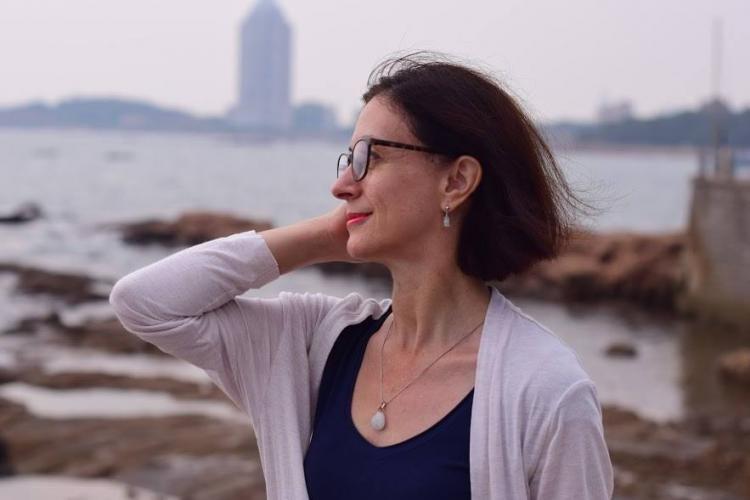 Viața unei clujence, jurnaliste, care lucrează și locuiește în Beijing, China. Adevărul despre coronavirus