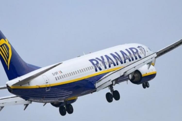 Momente de groază pentru pasagerii unei curse Ryanair. Avionul s-a umplut cu fum