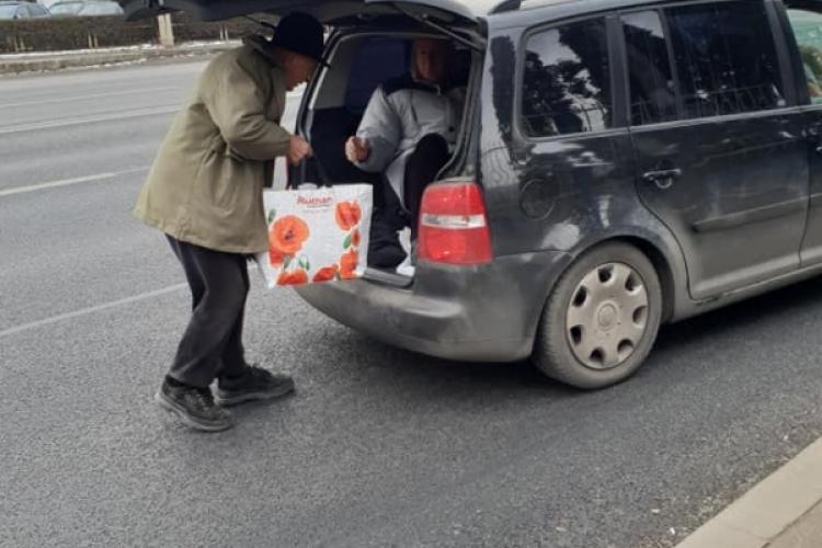 Clujeni transportați în portbagaj de un șofer de ocazie - FOTO
