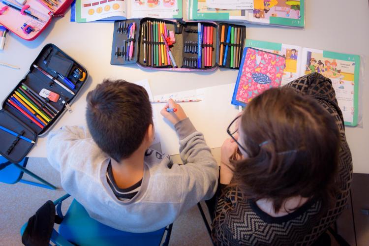 Programul Ajungem MARI Cluj are nevoie de voluntari pentru copiii din Gherla! Cum te poți înscrie