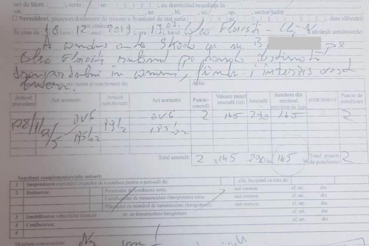 """Polițiștii clujeni se amuză de scrisul de """"doctor"""" al unui agent de la rutieră - FOTO"""