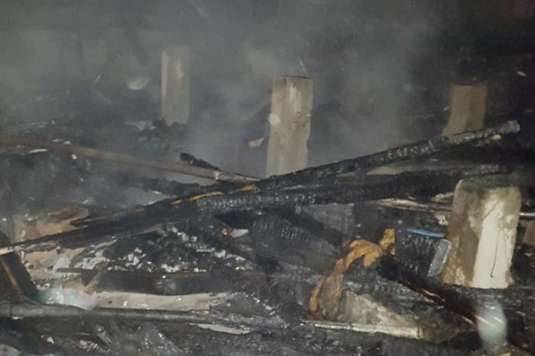 Incendiu la o locuință din Cluj-Napoca, pe strada Pometului - FOTO