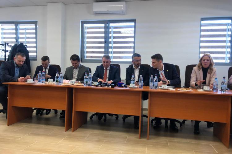 Ministrul Transporturilor promite și amenință: Sectoarele 1 și 2 de pe Turda - Sebeș vor fi date în folosință în 2020