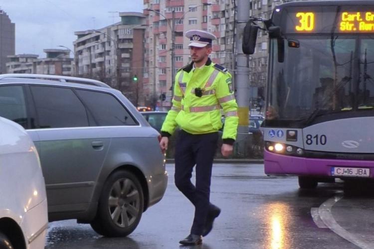 Polițiștii clujeni, dotați cu camere de corp! Se filmează toate acțiunile