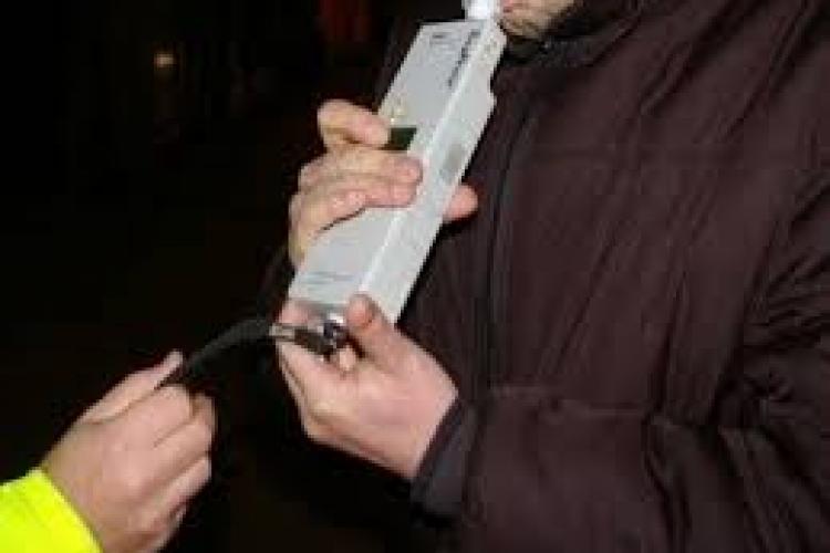 Clujean reținut de polițiști după ce a fost oprit în trafic. Era beat la volan și avea permisul suspendat