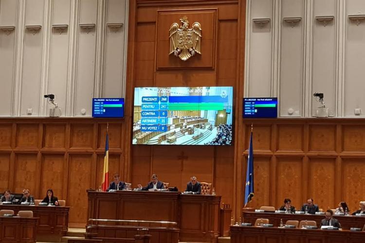 Camera Deputaţilor a APROBAT eliminarea pensiilor speciale