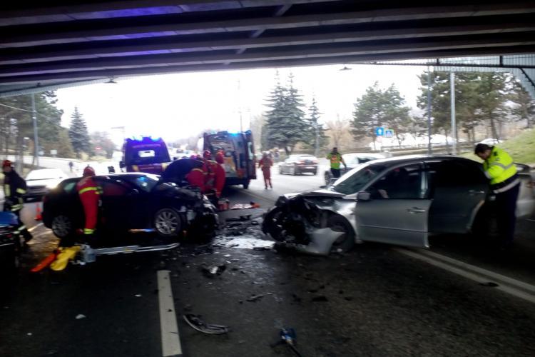 Accident grav pe Calea Florești, sub pod. Patru persoane au ajuns la spital FOTO