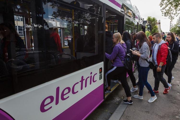 Se înlocuiesc abonamentele de transport în comun ale elevilor și studenților: Primesc 120 de călătorii pe luni