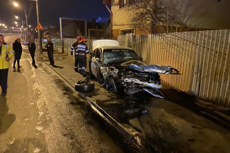 Accident cu o victimă pe Fabricii, lângă Lukoil. O mașină a fost făcută praf FOTO