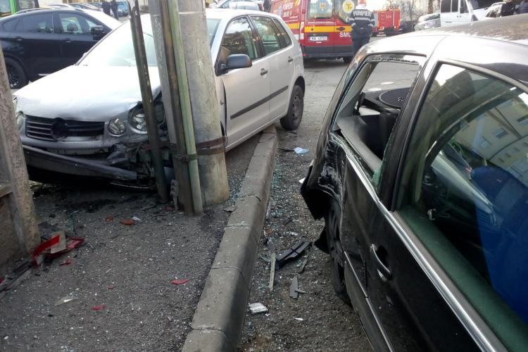 Accident cu o victima în Gruia. Un șofer a intrat cu mașina în gard FOTO