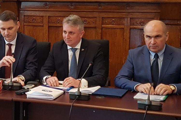 Ministrul Transporturilor se laudă că, în premieră, inaugurăm o autostradă la graniță înaintea Ungariei
