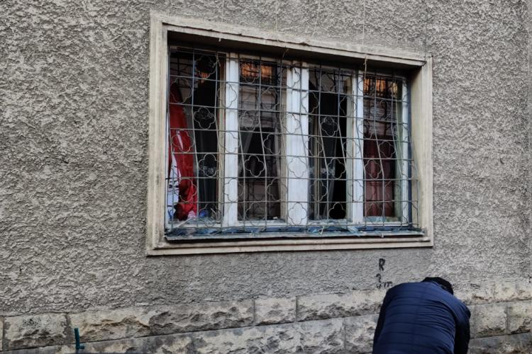 Explozie la o locuință din Cluj-Napoca. Un bărbat a fost rănit FOTO/VIDEO