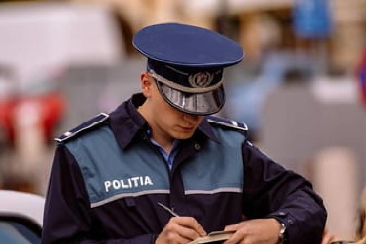 Zece polițiști clujeni, care cereau mită de la șoferi, condamnați la închisoare după șase ani de proces