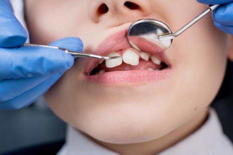 Copil de 4 ani din Piteşti a murit după o anestezie făcută la dentist