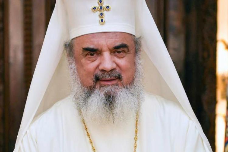 Patriarhul Daniel: Regula împărtăşirii credincioşilor din acelaşi Sfânt Potir rămâne neschimbată. Nu e sursă de pericol!