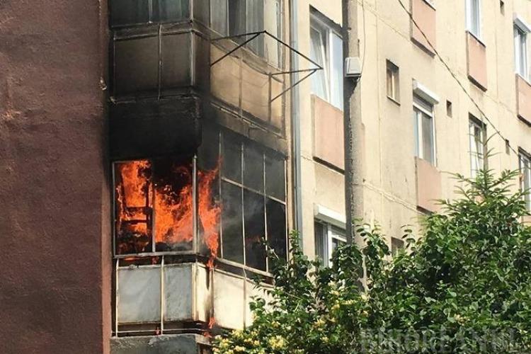 Incendiu la un apartament în Piața Mihai Viteazu