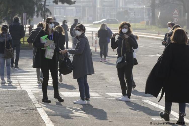 Ministerul Sănătăţii: Românii care revin în țară din zonele italiene cu coronavirus vor fi puşi în carantină timp de 14 zile