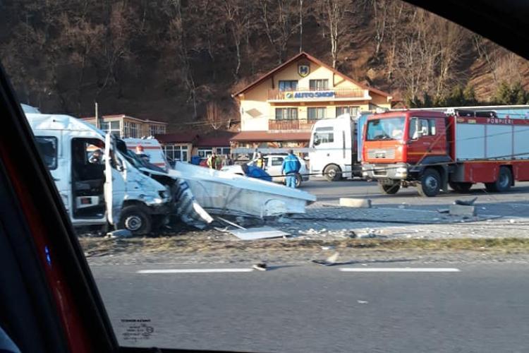Accident cu trei victime pe drumul Cluj-Oradea. Traficul e restricționat FOTO