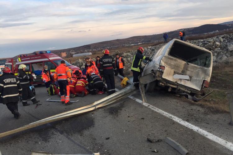 """Accident pe Centura Bulevardul Muncii - Apahida! Un șofer a """"zburat"""" cu mașina prin parapet FOTO"""