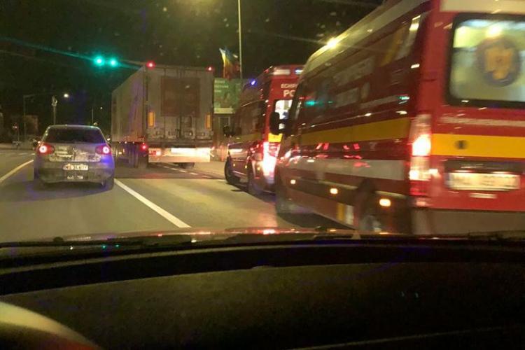 Accident în Florești, între un BMW și un TIR - FOTO