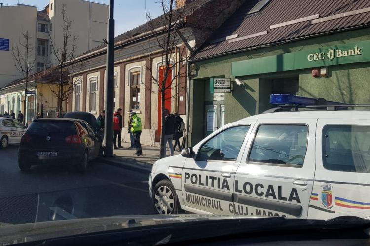 Accident pe Moților! Orașul este blocat - FOTO