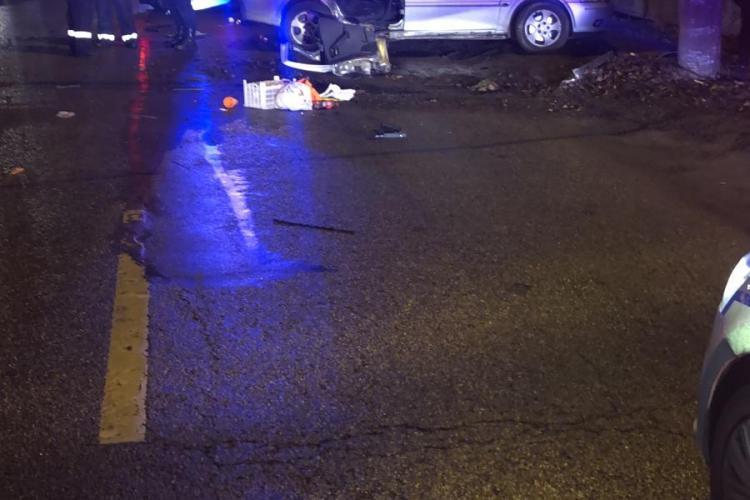 Accident cu patru victime la Dej. Un șofer s-a izbit cu mașina de stâlp FOTO
