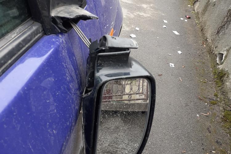 Mașini vandalizate în Gruia, după meciul CFR Cluj - Sevilia - FOTO