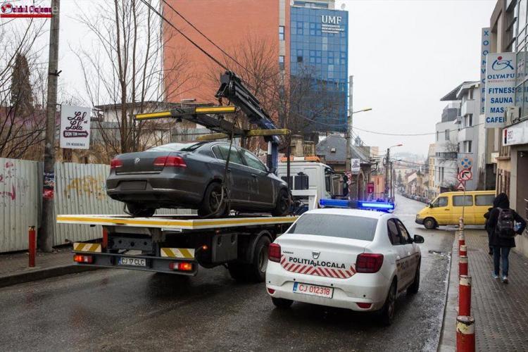"""Oficial din Primăria Cluj-Napoca susține că jumătate dintre mașinile ridicate sunt ale """"viniturilor"""""""