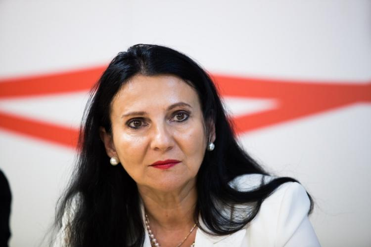 Fostul ministru al Sănătății, Sorina Pintea, reținută 24 de ore. Mita era luată ca director al Spitalului din Baia Mare