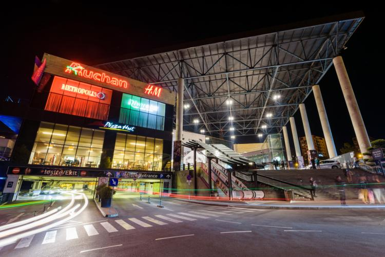 Intră în funcțiune noul sistem de parcare cu plată de la Iulius Mall Cluj. Vezi ce trebuie să știi