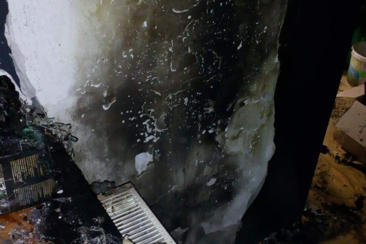 CLUJ: Încă un incendiu cauzat de o țigară lăsată aprinsă FOTO