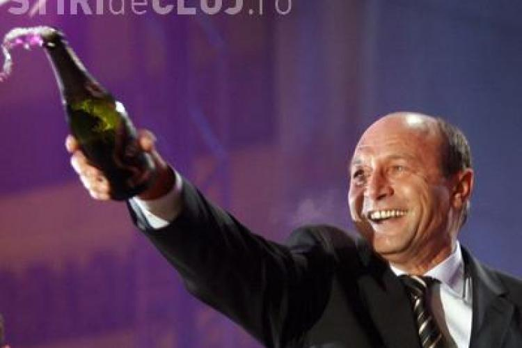 Basescu se plange ca nu a fost invitat sa vorbeasca intr-o piata publica de Revelion - VIDEO