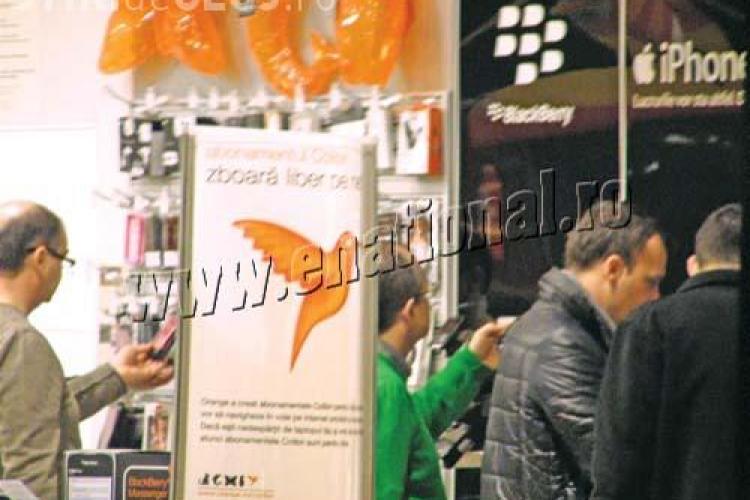 Boc a facut shopping: si-a cumparat un pulover si un telefon mobil - FOTO