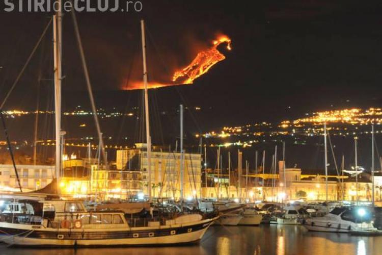 Vulcanul Etna a erupt! Spectacolul oferit este unic - VIDEO si FOTO