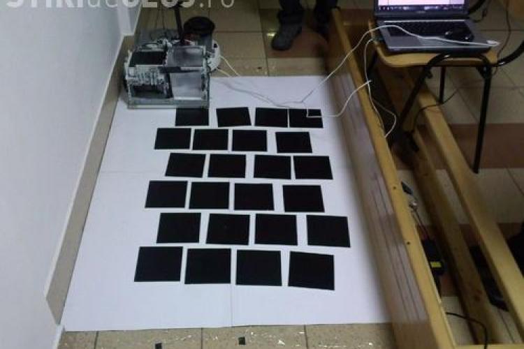 UBBots 2011: Vezi aici robotul care pune gresie! Cum a fost creat si cum functioneaza - VIDEO si FOTO