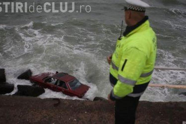 Un vitezoman din Constanta a plonjat cu masina in mare! VIDEO