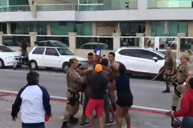 Coronavirus în SUA: A intrat armata americană pe plaja din Miami pentru a evacua populația - VIDEO