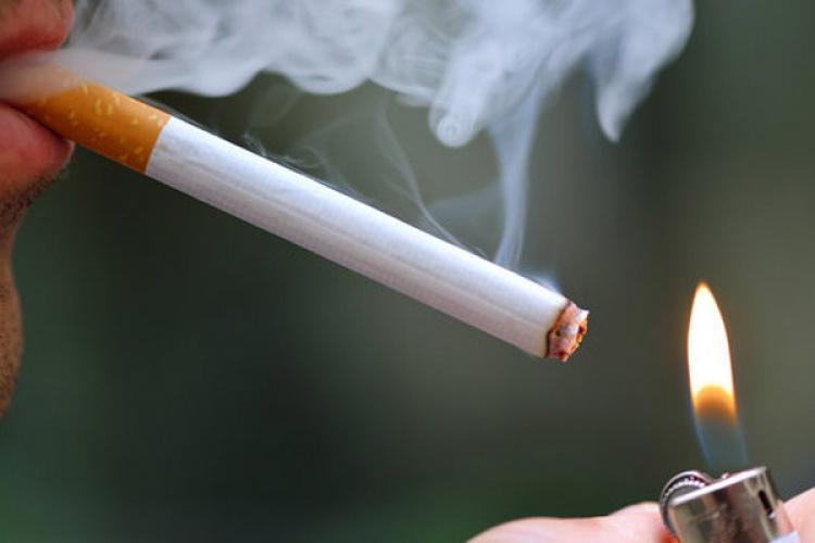 Fumatul și țigările electronice, pericol de coronavirus: Dacă fumează cineva lângă tine te poate îmbolnăvi