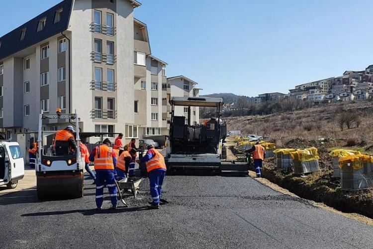 În Florești, se asfaltează străzile de pe centura de Sud -  FOTO