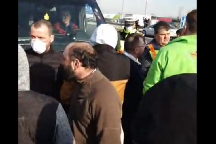 Zece mii de români, blocați la granița dintre Austria și Ungaria. Au venit acasă, deși s-a anunțat de ieri că Ungaria închide frontiera - VIDEO