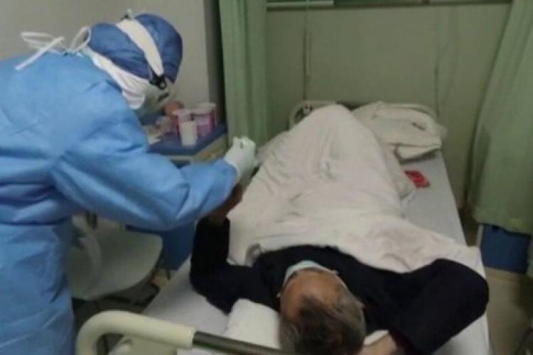 Un român cu coronavirus a scuipat medicii în spital