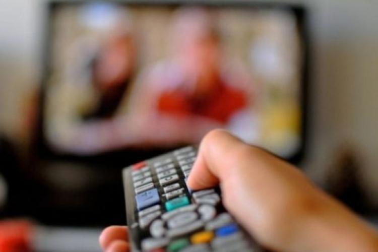 Ministerul Educației: Elevii claselor a VIII-a și a XII-a vor urmări lecțiile la Televiziunea Română