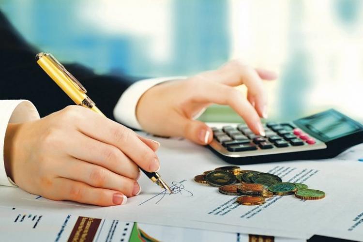 Guvernul amână plata impozitelor și e posibil să se ia măsuri și pentru ratele bancare
