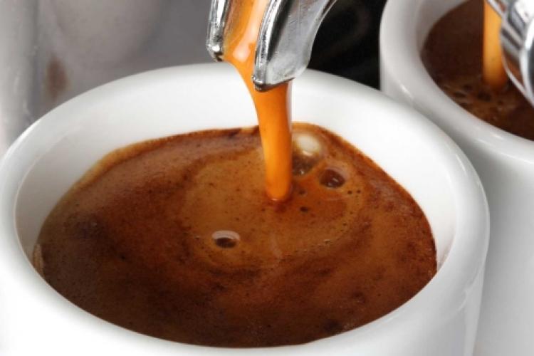 Un grup de cafenele din Cluj-Napoca prepară cafea pentru medicii care luptă cu coronavirusul