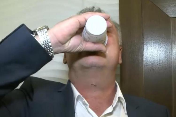 Sfaturi false de protecție împotriva coronavirusului: Să bei apă la fiecare 15 minute